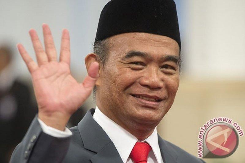 "Mendikbud gelar ""nobar"" film Dilan peringati Hardiknas"