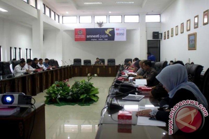 Kantor Pelayanan Pajak Beri Sosialisasi Pengampunan Pajak Kepada Anggota DPRD