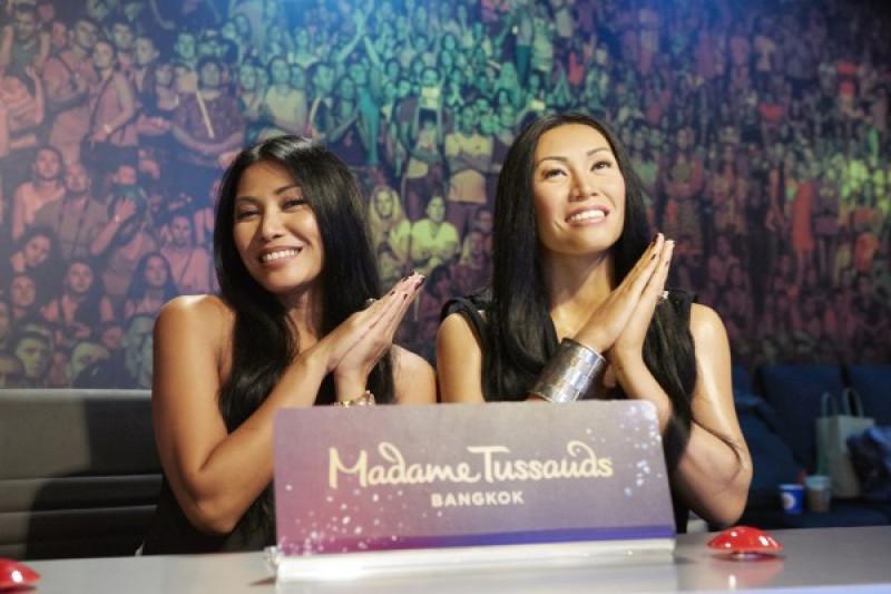 Jean-Paul Gaultiers Dandani Patung Penyanyi Anggun di Madame Tussauds
