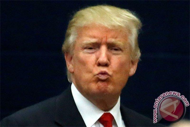 "Jawab Kontroversi Pajak, Donald Trump Malah Tepuk Dada, ""Saya Brilian"""