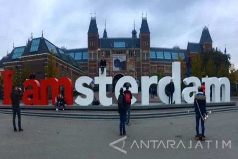 Amsterdam larang kendaraan berbahan bakar bensin dan solar