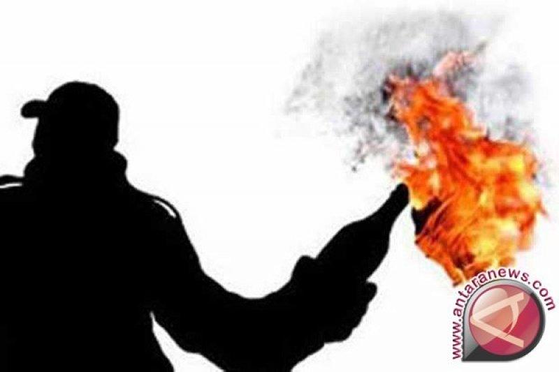 Pelempar bom molotov di Bogor diduga ekspresi kemarahan foto Rizieq dibakar
