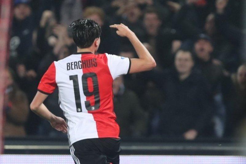 Tundukkan  Vitesse 3-1, Feyenoord Jaga Jarak di Puncak Klasemen