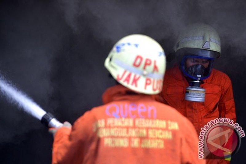 Kebakaran belasan kios di Terminal Senen Jakarta berhasil dipadamkan
