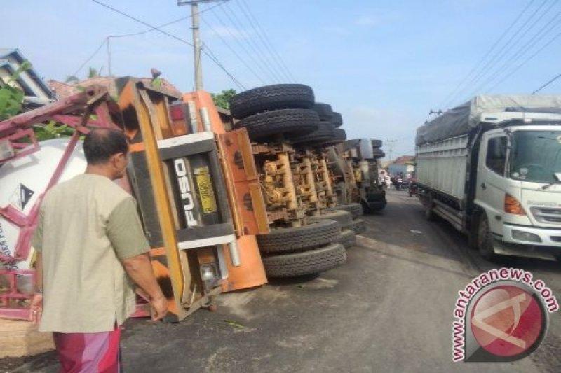 Kemacetan panjang terjadi di Jalintim Indralaya