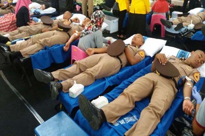 500 Taruna Akmil Ikuti Donor Darah