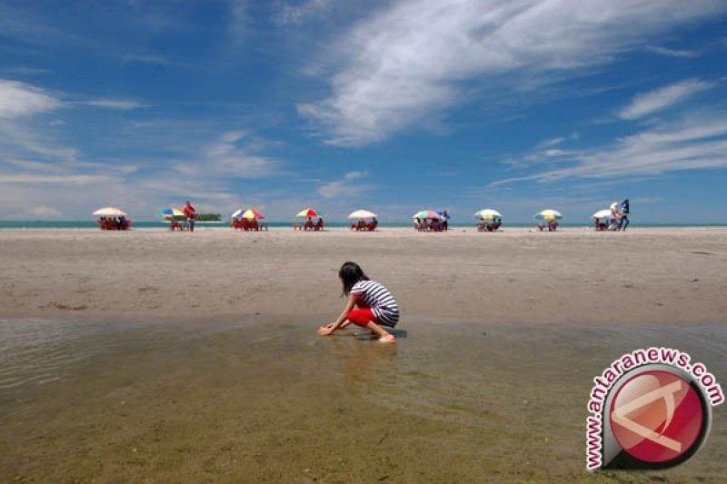 Pantai Gandoriah Primadona Wisata Di Tanah Tabuik Antara Sumbar