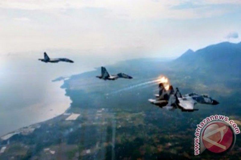 Tiga Sukhoi Terbang Rendah di atas NTT