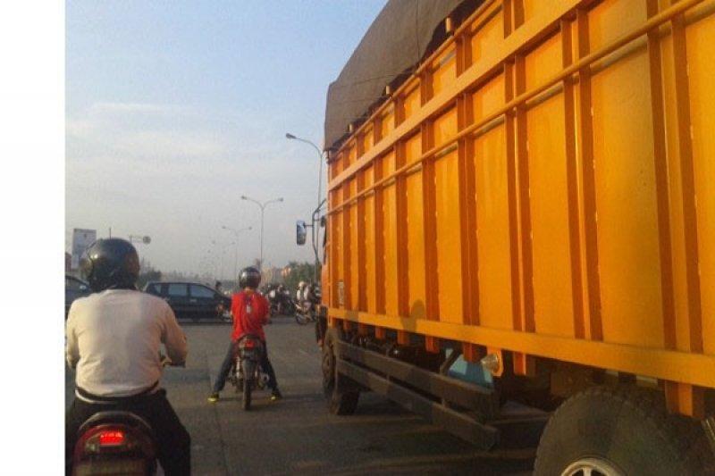 Pemerintah Diminta Batasi Tonase Truk Jalinsum Lampung