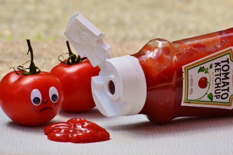 Kontrol asupan garam sebaiknya hindari saos dan kecap