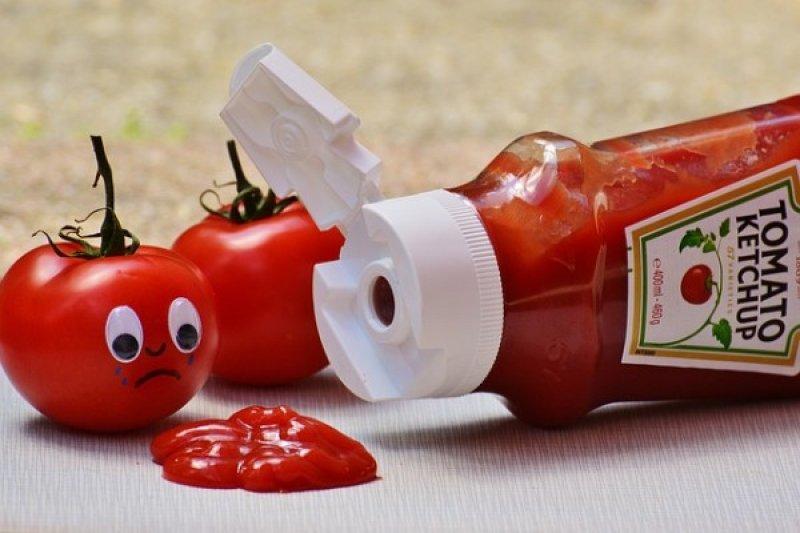 Kurangi saus, kecap, dan sambal guna kontrol asupan garam harian