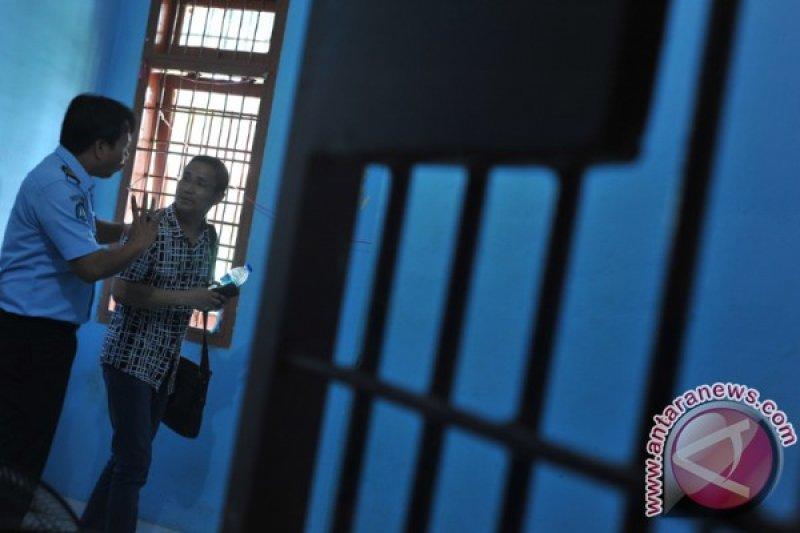 Imigrasi Palembang deportasi warga Malaysia dan China
