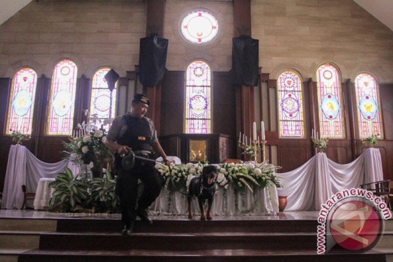 Polisi Surakarta Menelusuri Sejumlah Gereja Jelang Paskah Antara News