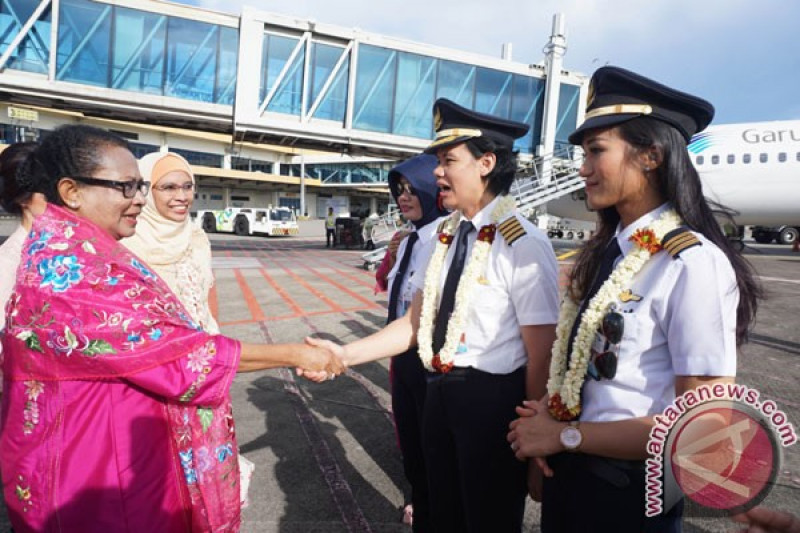 Bangga, 2 Putri Papua Wujudkan Mimpi Jadi Pilot Maskapai