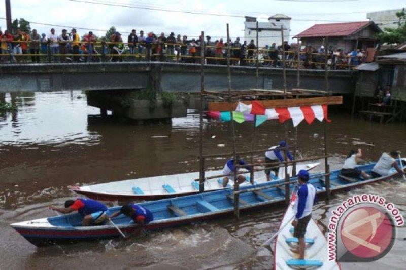 """""""Besei Kambe"""" Paling Ditunggu Pengunjung di Festival Isen Mulang"""