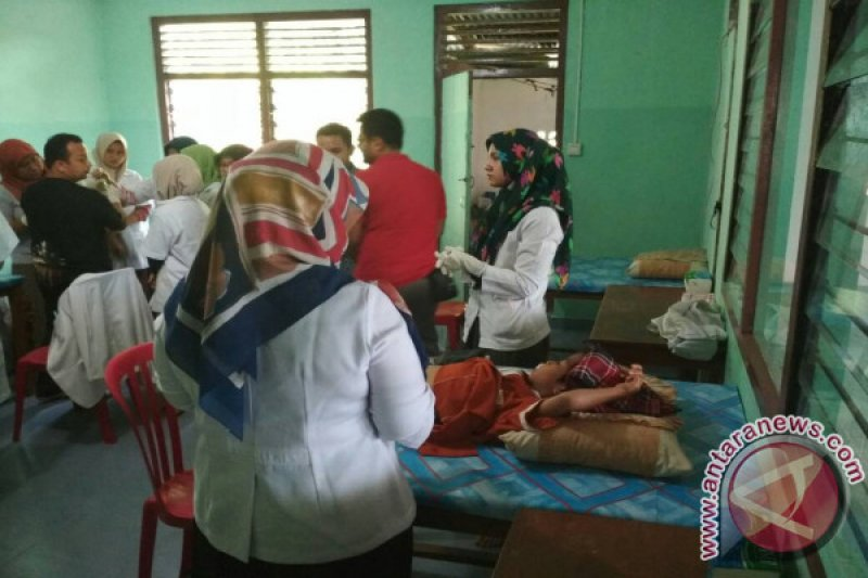 Halaqah Naqsabandiyah  Gelar Khitanan Gratis di Padang