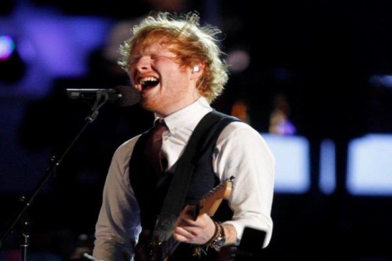 Ed Sheeran  doyan tempe dan rendang masakan Indonesia