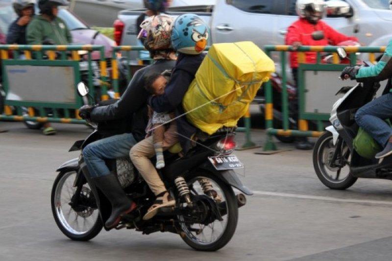 Kakorlantas mengajak masyarakat tunda mudik lebaran 2021