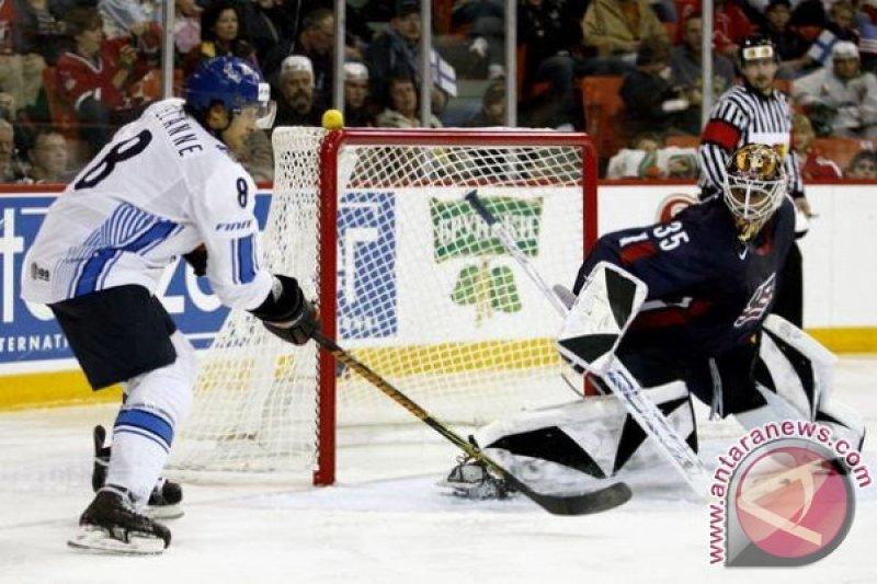 Dua atlet hoki es  China positif COVID-19 sepulang dari AS