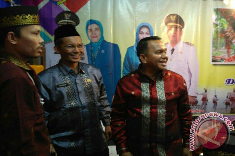 Wali Kota Sawahlunto Berharap Songket Jadi PDH secara Nasional