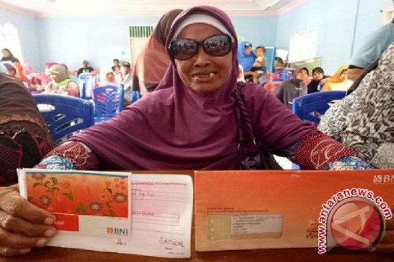 KPM Lihatkan Wajah Sumringah, BNI Salurkan Bansos PKH