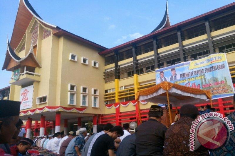 Halaman Kantor Gubernur Sumbar Jadi Pusat Shalat Idul Adha 1440 H Antara News