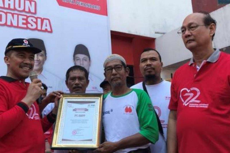 Piagam Penghargaan Sebagai Perusahaan Yang Peduli Kemanusian dan Donor Darah Terbanyak