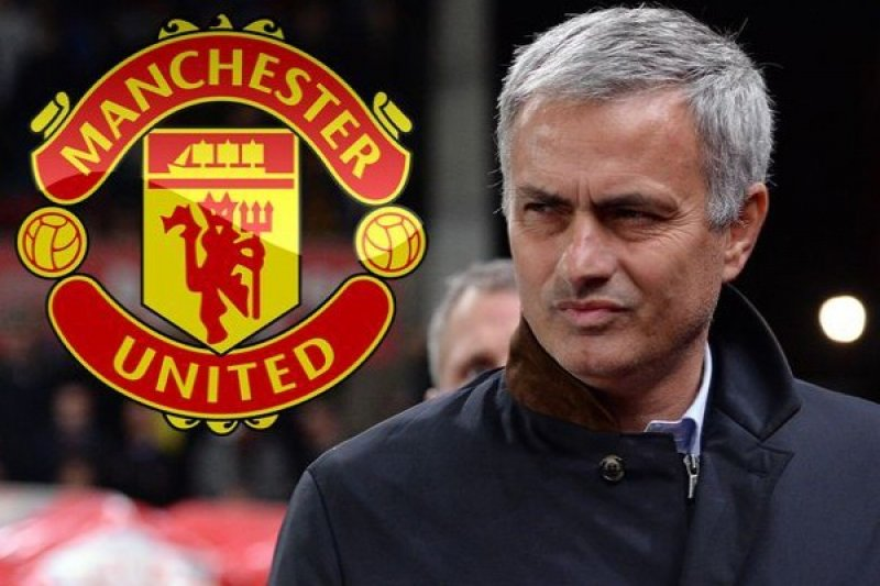 Mourinho melihat positif Pogba, puji gelandang muda McTominay