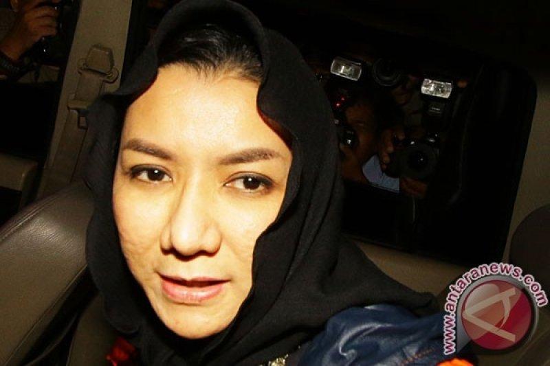 KPK Periksa Tiga Saksi Unsur Swasta untuk Tersangka Bupati Rita