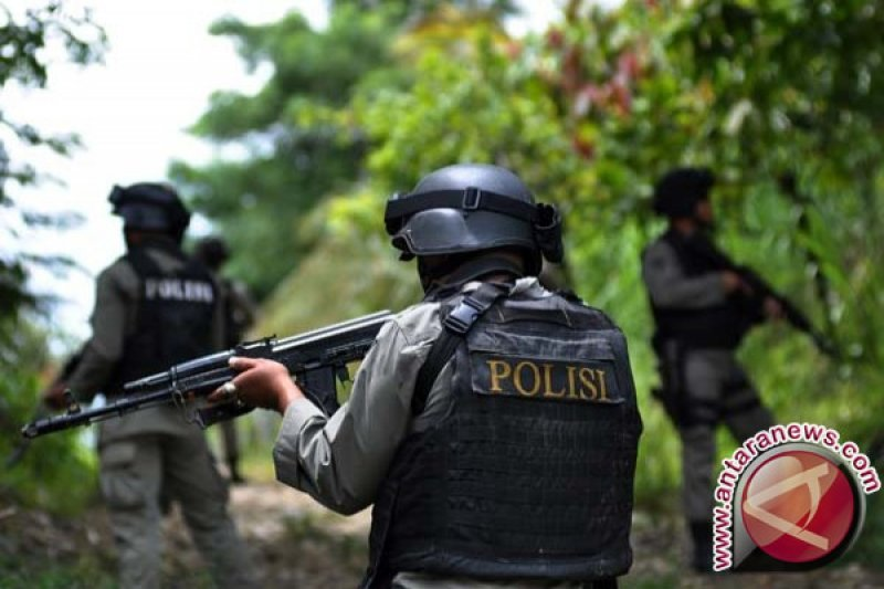 Polisi buru lima pelaku pembunuh anggota Brimob di Bintuni