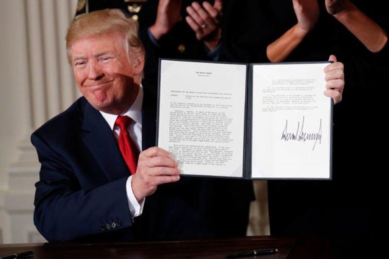 Trump tandatangani tiga perintah eksekutif turunkan harga obat
