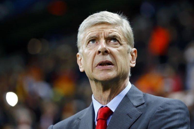 Wenger kritik Liga Premier lamban adopsi teknologi VAR