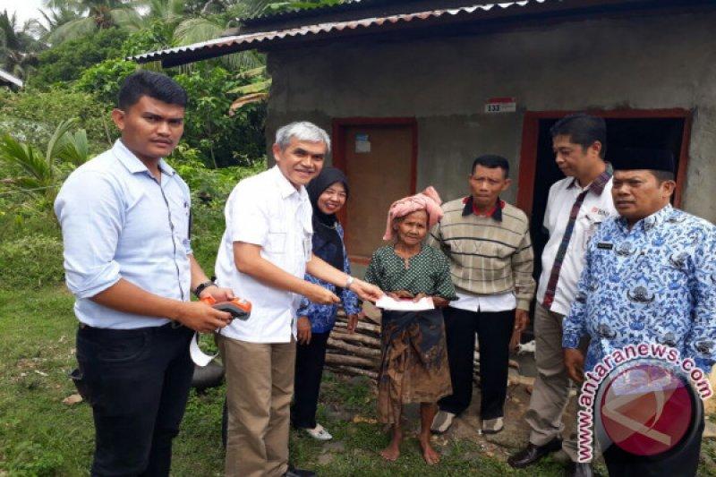 BNI Salurkan Bansos Untuk 1.150 Lansia dan 1.116 Penyandang Disabilitas di Empat Kota