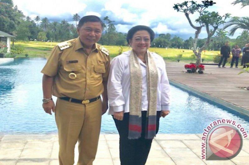 Megawati Ingatkan Bupati Sumendap Terus Fokus Bangun Daerah
