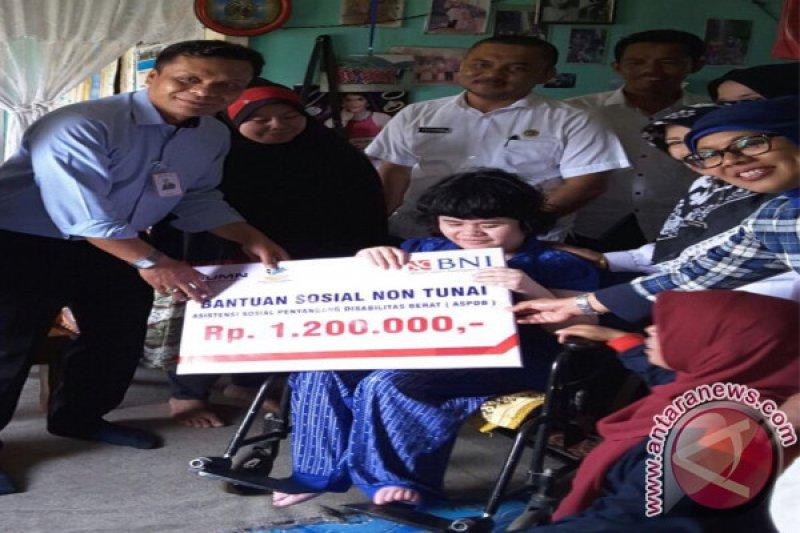 BNI Cabang Bukittinggi Salurkan Bansos Untuk Penyandang Disabilitas