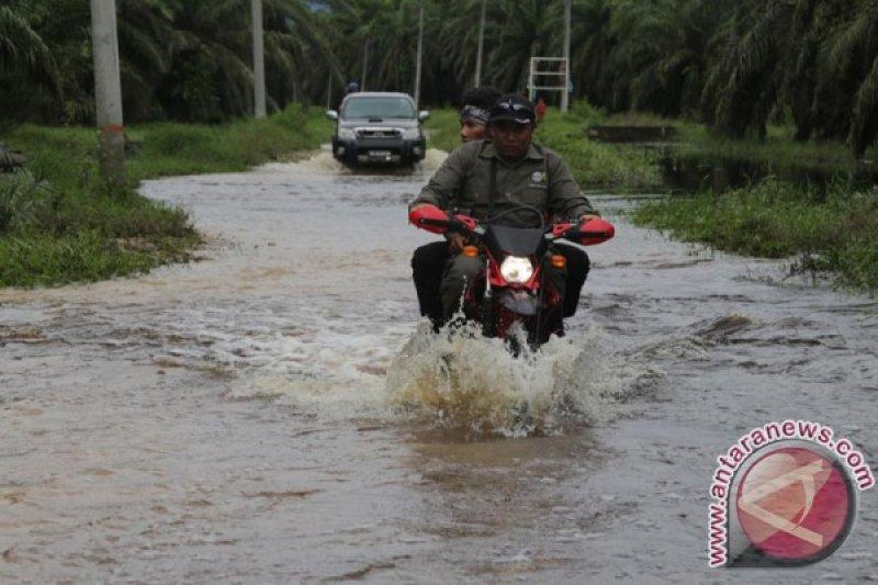 Transportasi Darat Aceh Selatan Subulussalam Lumpuh Diterjang Banjir Antara News
