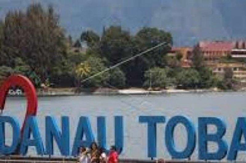 Wisatawan Makin Mudah ke Danau Toba