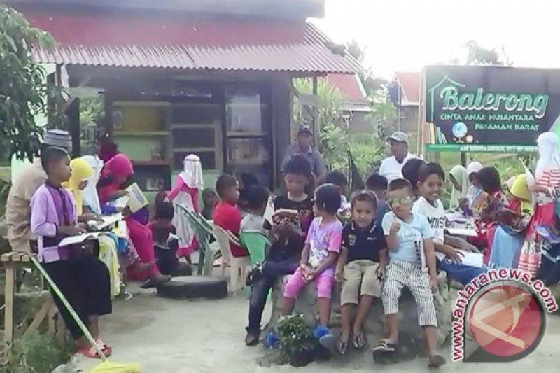 Cintakan Generasi Cerdas, Masyarakat Pasaman Baru Swadaya Bangun Taman Bacaan-Belajar