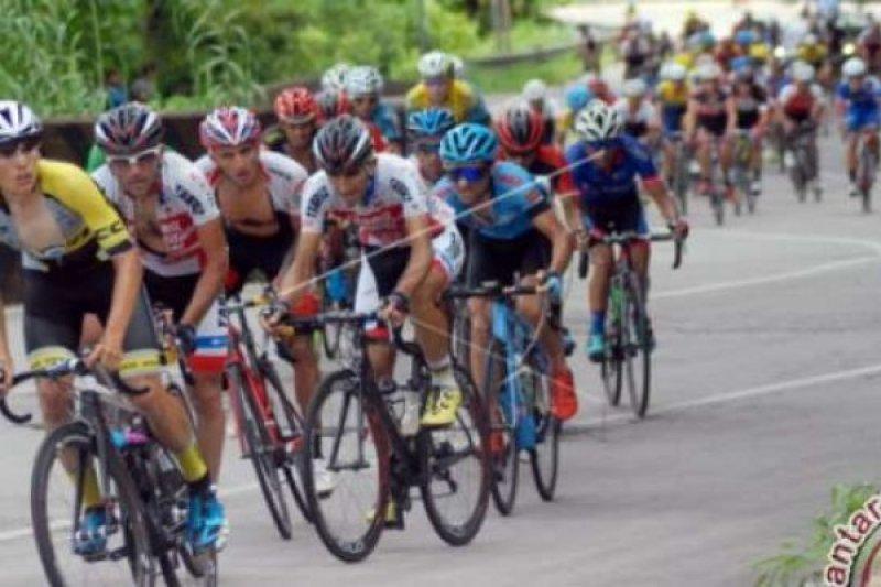 Pebalap Nasional KFC Cycling Team Rebut Podium Etape 3 TDS