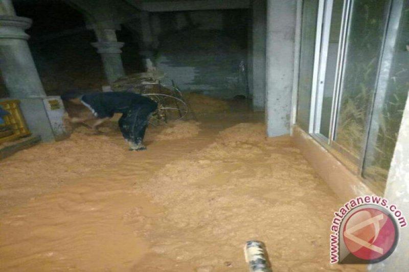 Banjir dan Tanah Longsor Melanda Tambelan