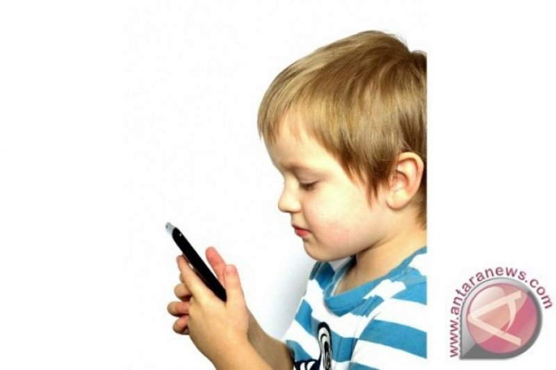 """Ini dampak buruk """"Gadget"""" bagi anak"""