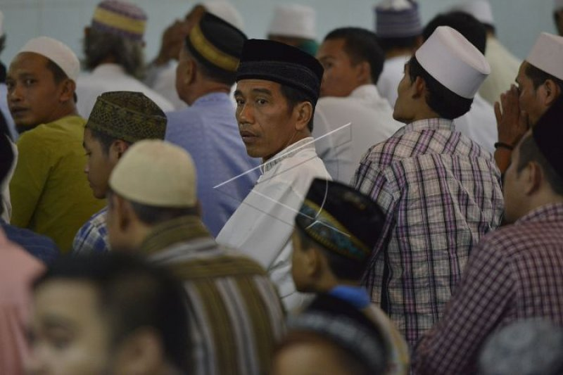 Presiden sholat Jumat di Masjid Raya Sumbar