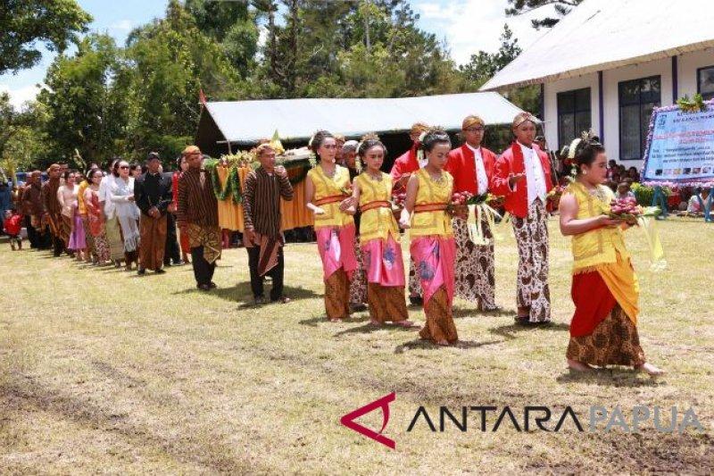 Parade budaya warnai ibadah Pekabaran Injil di Jayawijaya