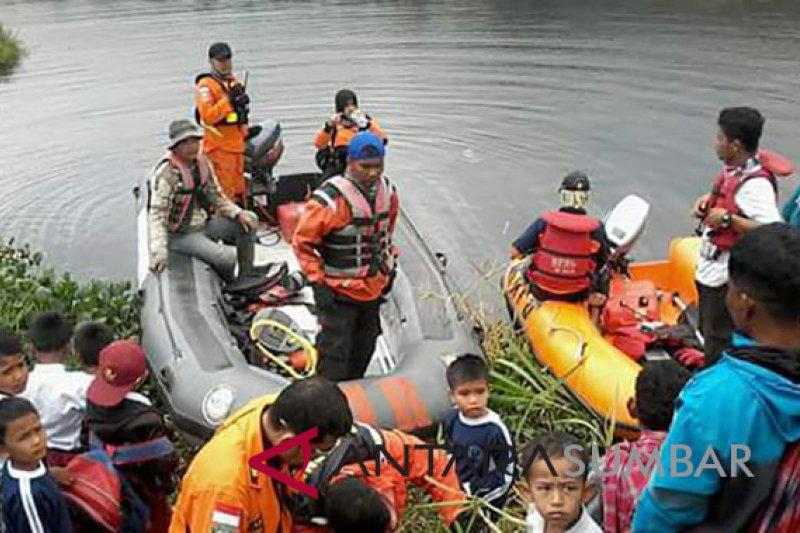 Warga Kampung Batu Dalam tenggelam di Danau Dibawah