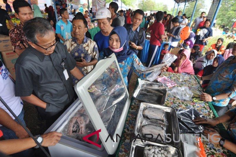 Warga Kota Palu serbu lokasi pasar murah