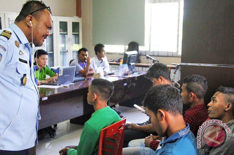 Imigrasi tolak keberangkatan 130 WNI ke luar negeri  via Riau