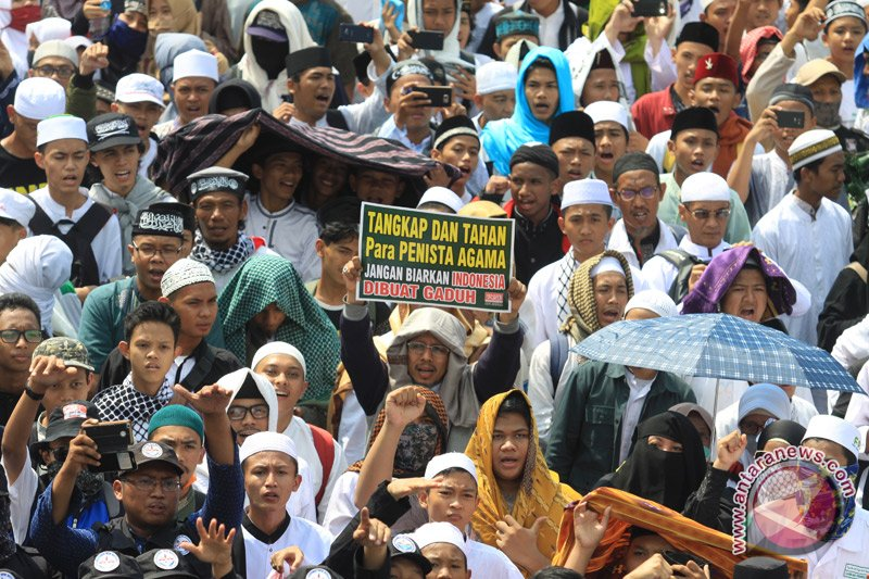 "212 alumni organize ""Mujahid 212 Save NKRI"" rally in Jakarta Saturday"