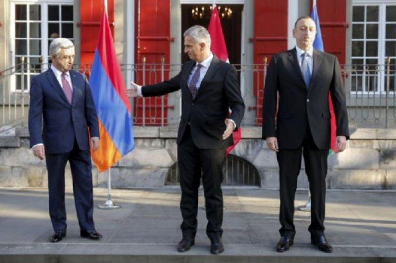 Azerbaijan dan Armenia tolak pembicaraan damai saat zona konflik meluas