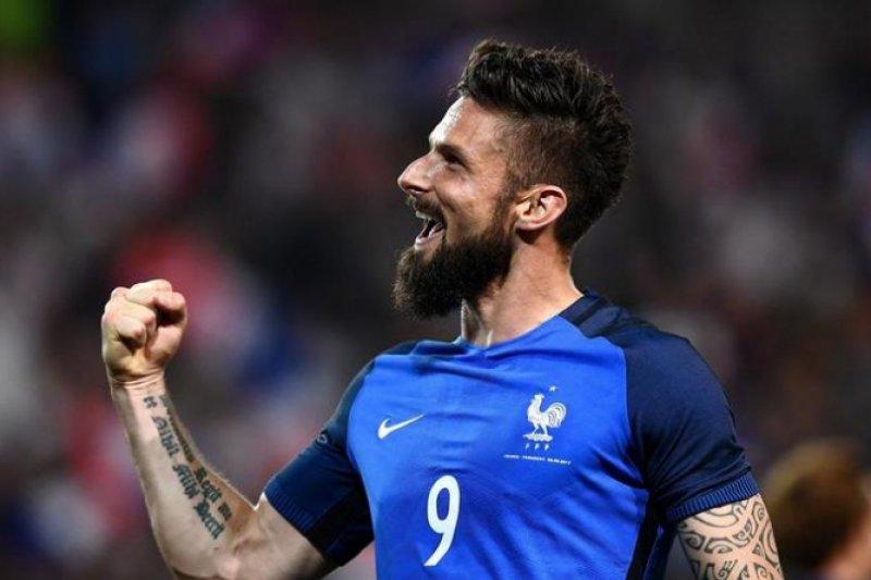 Olivier Giroud akhiri puasa gol dengan kemenangan atas Belanda