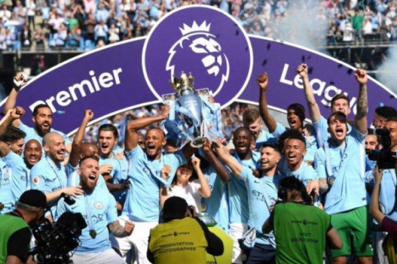 Rayakan juara, Manchester City ditahan imbang Huddersfield